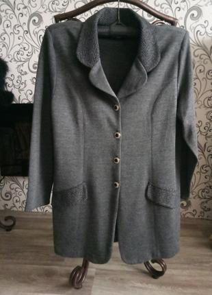 Шикарный стрейчевый пиджак