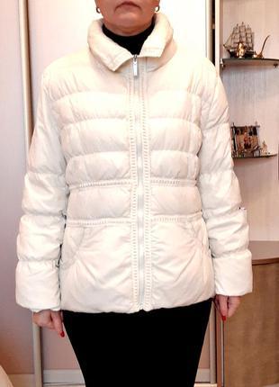 Куртка-пуховик roccobarocco кремового  цвета