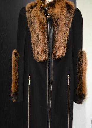 Утонченное шикарное зимнее кашемировое пальто мех лисы