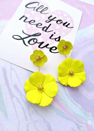 Яркие лимонные серьги цветок/золотой/новая коллекция/тренд