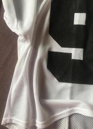 Клевая футболка в сетку с цыферкой в идеале