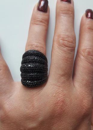 Шикарное кольцо серебро 925.