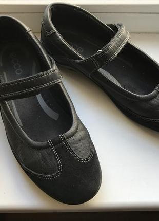 Продаю кожаные туфли ecco (эко) состояние новых