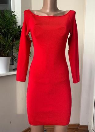 Платье с плотной резинки