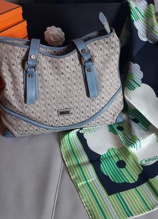 Coccinelle! оригинал!  вместительная, удобная сумка!