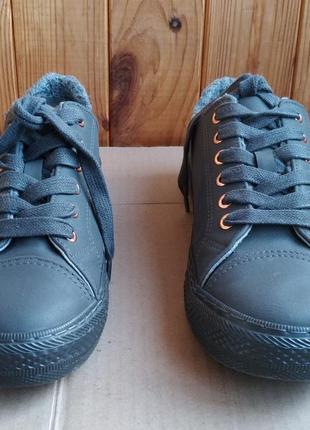 Стильные утеплённые новые кеды next ботиночки мокасины