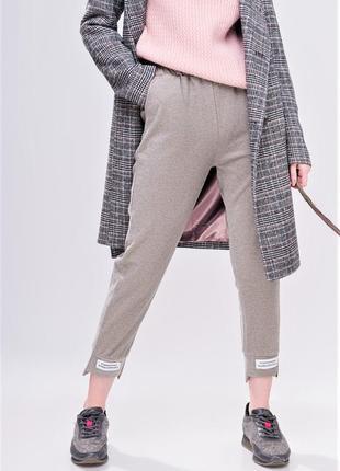 Удобные брюки спортивного кроя / штаны с высокой посадкой / беж
