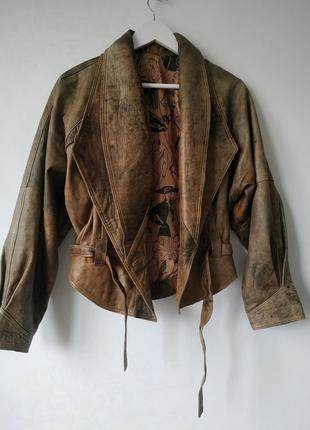 Натуральная кожа. крутая кожаная куртка косуха винтаж разводами оригинал италия
