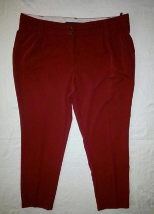 Стильные красные брюки батал