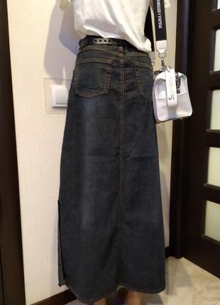 Отличная стильная базовая юбка-карандаш макси прямого покроя джинсовая