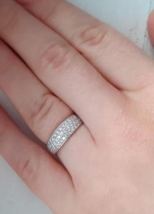 Кольцо. нежное серебряное колечко с камнями сваровски