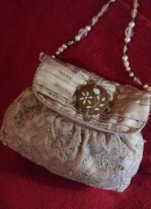 Дамская сумочка ручной работы расширяя бисером.