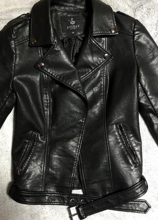 Косуха кожанка куртка чёрная
