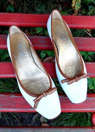 Классные туфли geox respira,дышащие,кожа,38 размер (24см.) на узкую ножку
