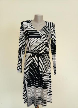 Красивое трикотажное платье