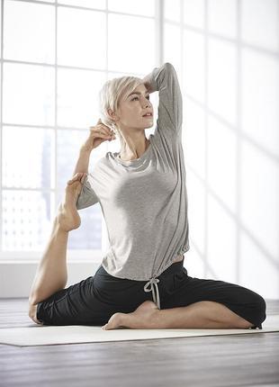 Комфортные капри- кюллоты для йоги и релакса от esmara германия, р. 32- 34 евро