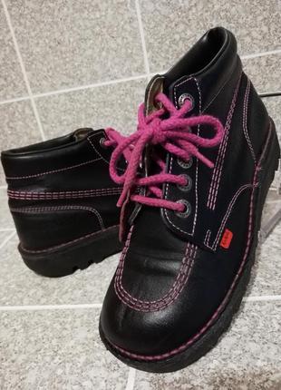 Женские стильные молодежные кожаные ботинки