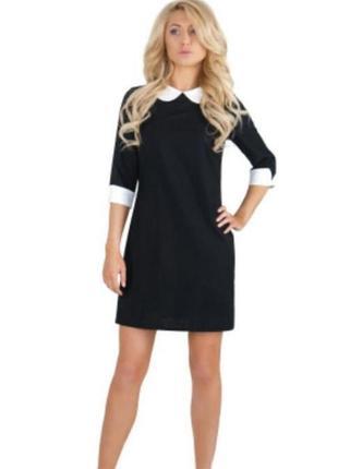 Черное платье с белым воротником и манжетами must have