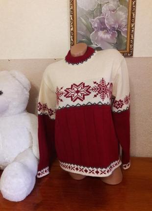 Шикарный ,шерстяной , очень тёплый свитер с принтом!