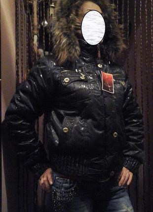 Зимняя куртка на синтепоне с капюшоном