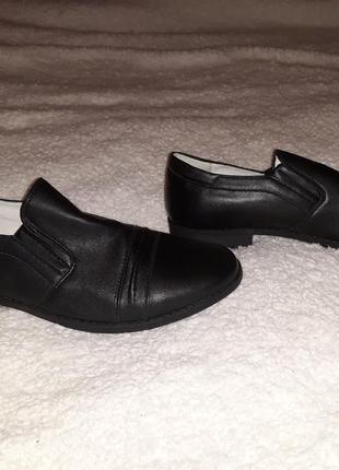 Туфли новые на мальчика, кожа