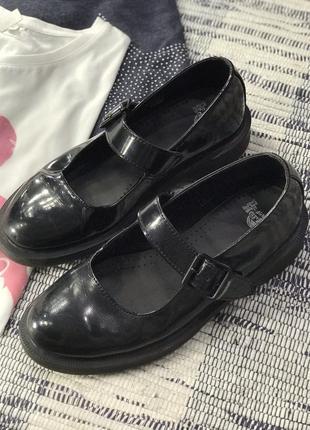 Оригинальные туфли dr martens лаковые