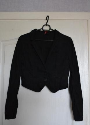 Суперский укороченный пиджак, чёрный блейзер divided