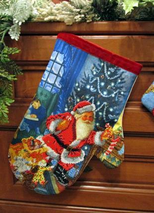 """Різдзв""""яна рукавичка для подарунків."""
