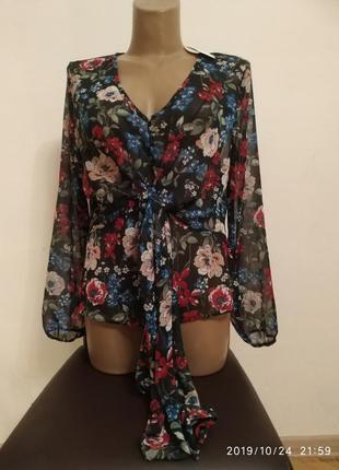 Шикарна нова блуза в квіти