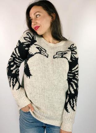 Треплющий асимметричный свитер