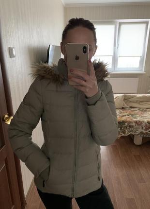 Пуховая куртка dkny оригинал! модный цвет!