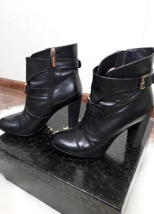 🖤 кожаные ботиночки ремешки  basconi