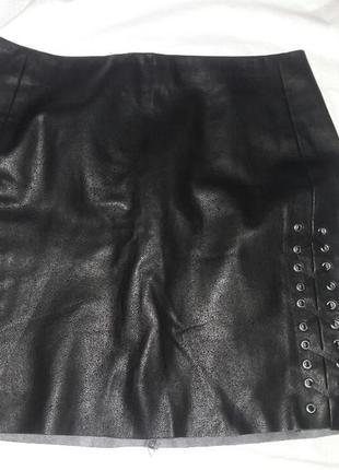 Юбка кожаная h&m на шнуровке размер 8-10