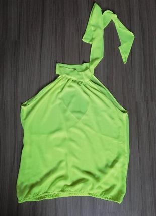 Яркая блуза monton с актуальным бантом