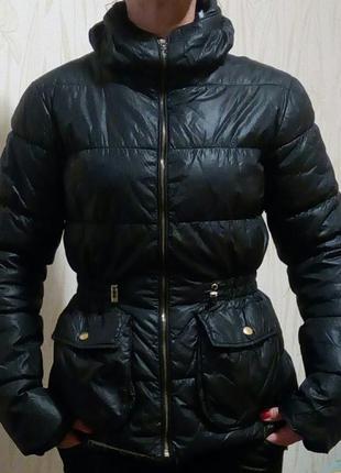 Стильная куртка new look.