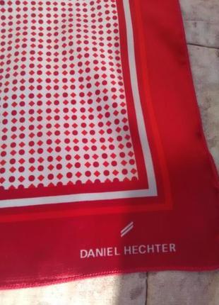 Красивый платок daniel hechter