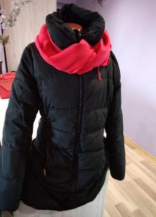 Супер чёрное пальто зимнее на сентапоне , без дефектов,теплое.