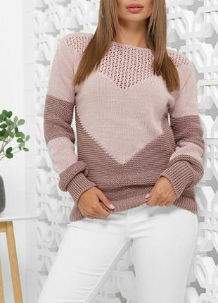 Вналичии последний в ментоловом цвете. модный свитер