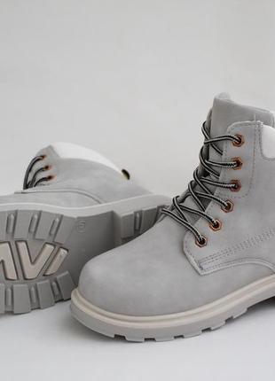 Женские зимние серые ботинки (сапоги, полусапоги) на шнуровках4 фото