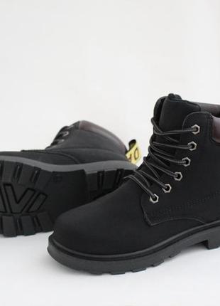Женские черные зимние ботинки (сапоги, полусапоги) на шнуровках4 фото