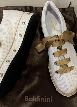 Новые кроссовки baldinini