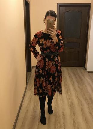Очень красивое осенний принт платье карамельный кэмел topshop