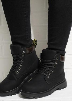 Женские черные зимние ботинки (сапоги) на шнуровках