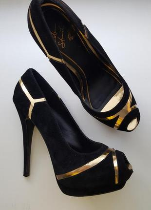 Черные туфли colin stuart
