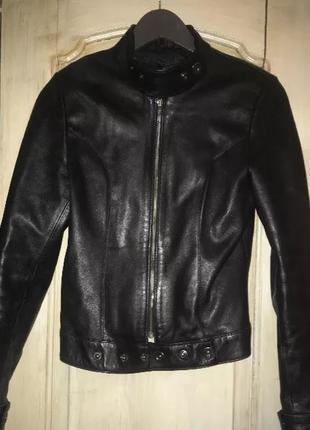 Кожаная куртка, размер c-м, б/у