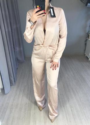 Комбинезон в пижамном стиле атласный