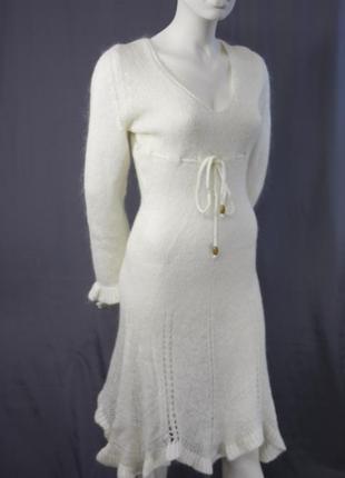 Платье белое вязанное шерстяное