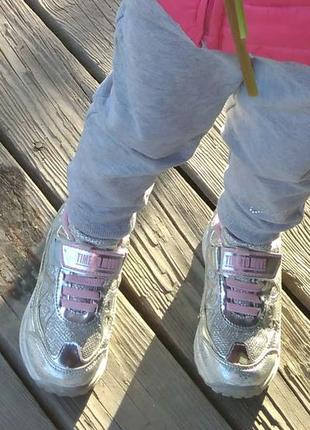 Кросовки на девочку 3- 5 лет, светятся