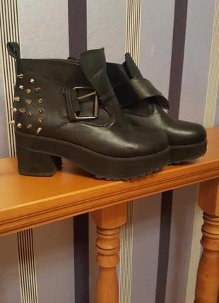 Ботинки демисезон шипованные ботильоны с шипами готика