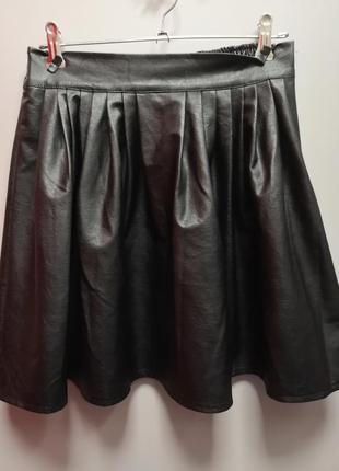 Расклешенная юбка кожаная